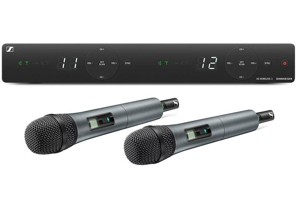 Sennheiser XSW 1-825 DUAL-B - Двухканальная вокальная РЧ-система 614-638 МГц, с настольным приёмником и ручными передатчиками